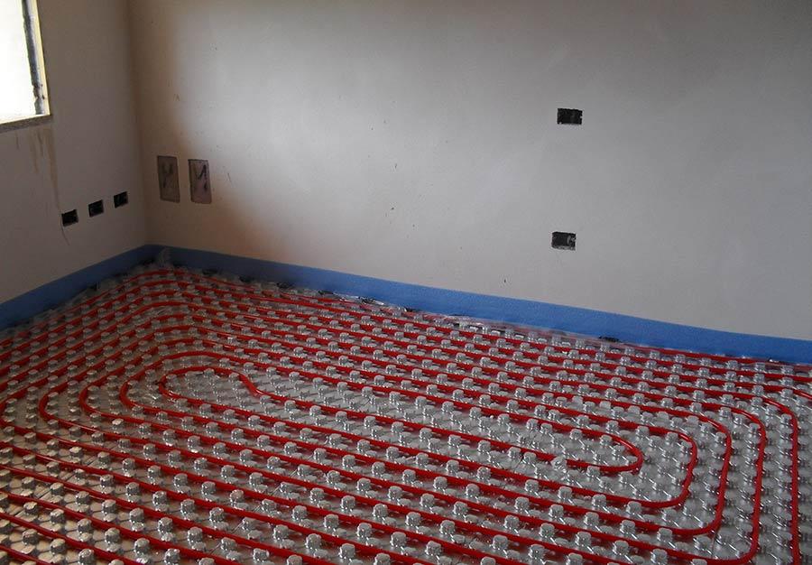 posa-pavimento-con-performato-alluminato